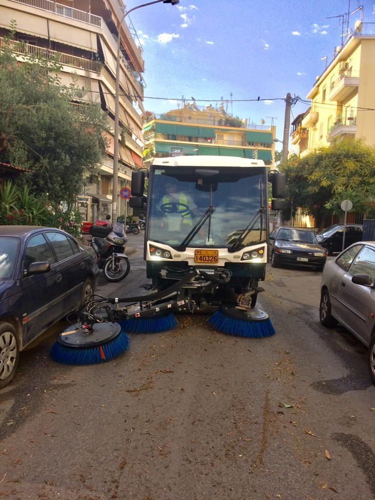 Κυριακάτικη δράση καθαριότητας στον Κολωνό από τον Δήμο Αθηναίων (ΦΩΤΟ)