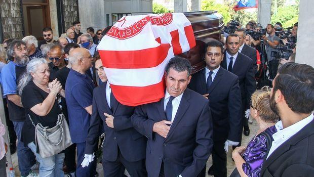 Με σημαία του Ολυμπιακού στο ύστατο χαίρε ο Νίκος Αλέφαντος!