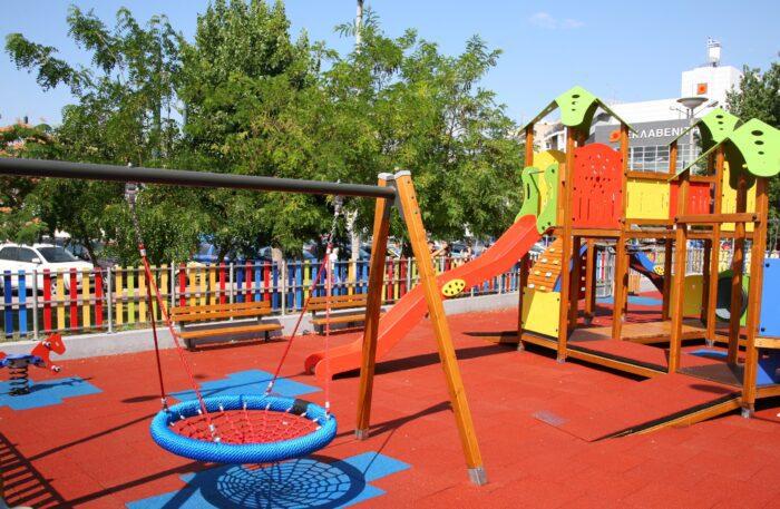 Η πλατεία Κανάρη έτοιμη να υποδεχθεί τα παιδιά του Πειραιά