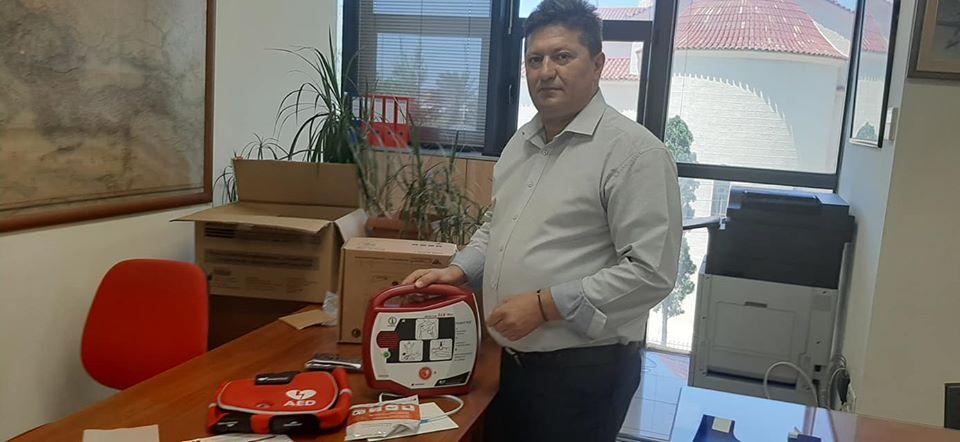Δώρισε απινιδωτή ο ΠΦΣ, στον Δήμο Περάματος!