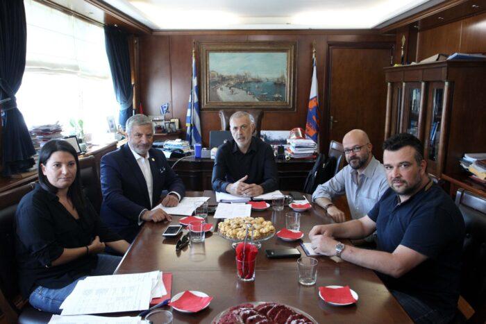 Μώραλης-Αντωνάκου-Πατούλης συζήτησαν για τα μεγάλα έργα στον Πειραιά