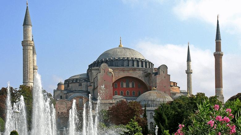 Τουρκικά ΜΜΕ: Τζαμί από την Παρασκευή η Αγιά Σοφιά