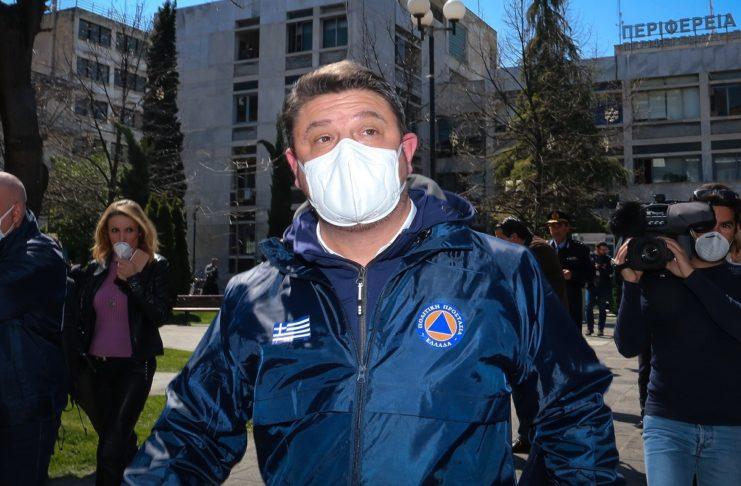 Έρχεται η κατάργηση της χρήσης μάσκας σε εξωτερικούς χώρους