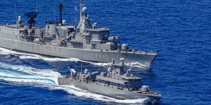 Καστελόριζο: 19 τουρκικά πολεμικά στο Αιγαίο!