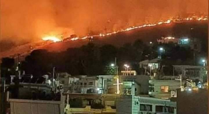 Μεγάλη Φωτιά στο Πέραμα...! (live Ενημέρωση)