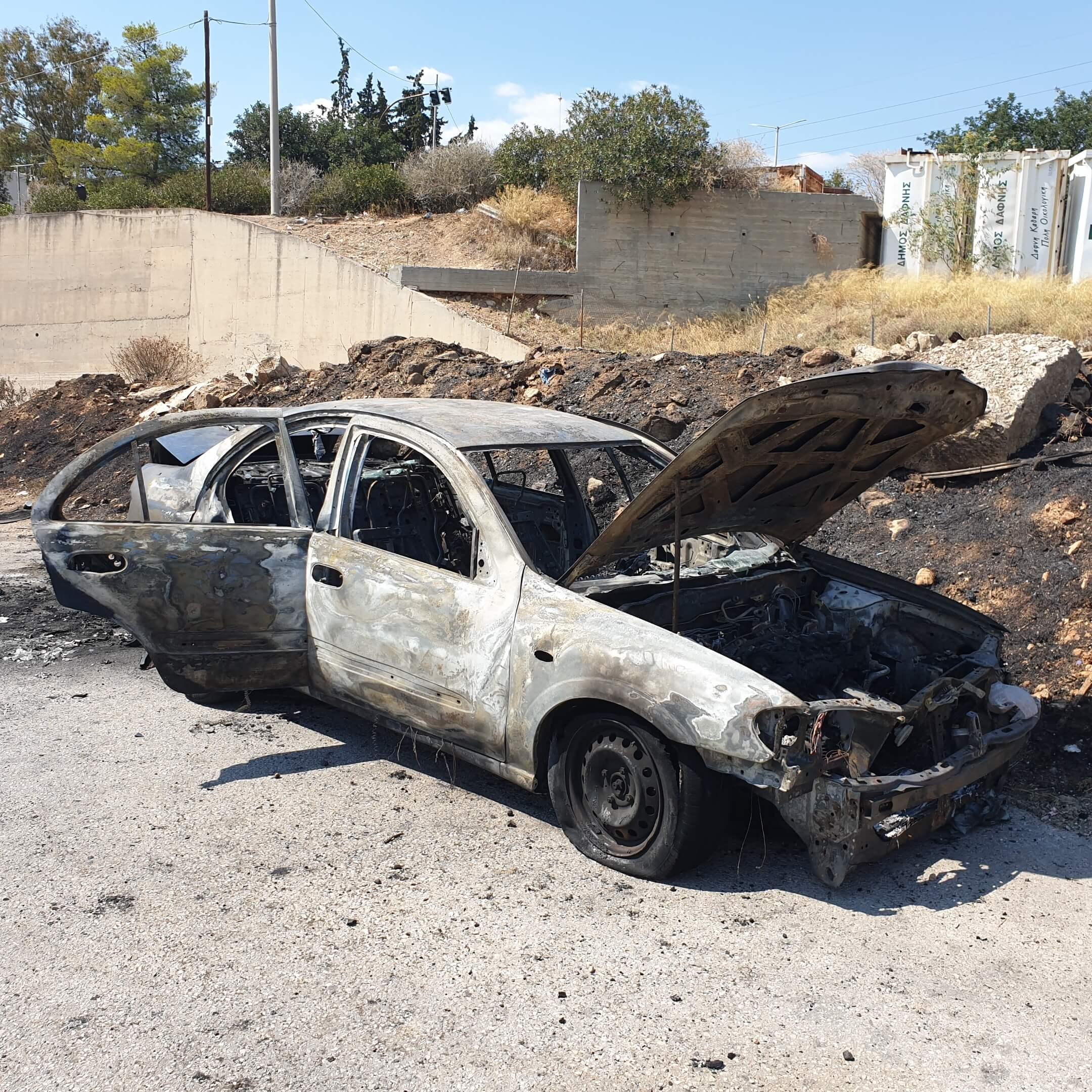 Βρέθηκε καμένο το αμάξι του δολοφονημένου Περαματιώτη (photos)