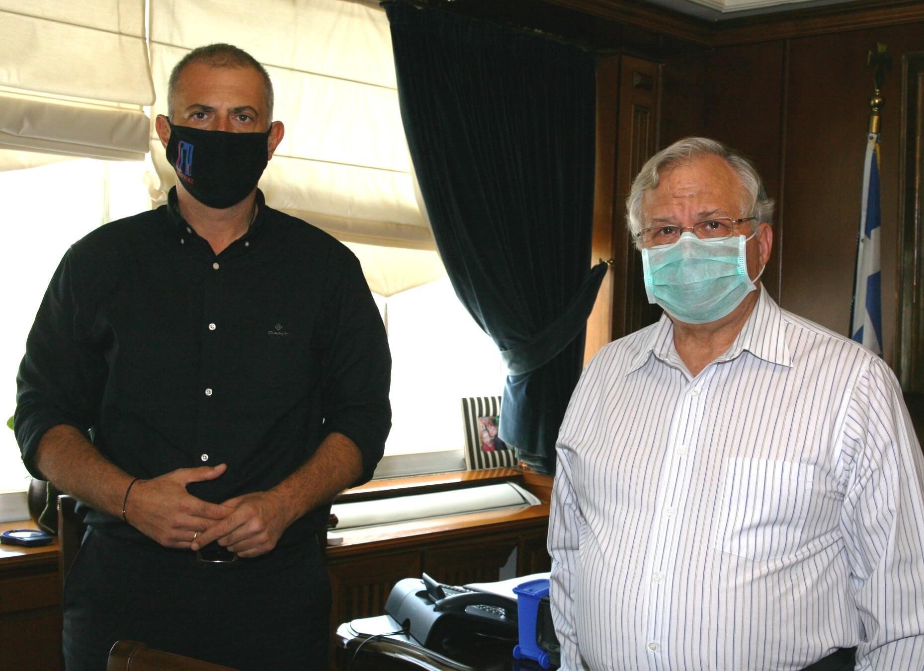 Πειραιάς : Συνάντηση Μώραλη με τον Πρόεδρο του Χαμόγελου του Παιδιού, Κώστα Γιαννόπουλο