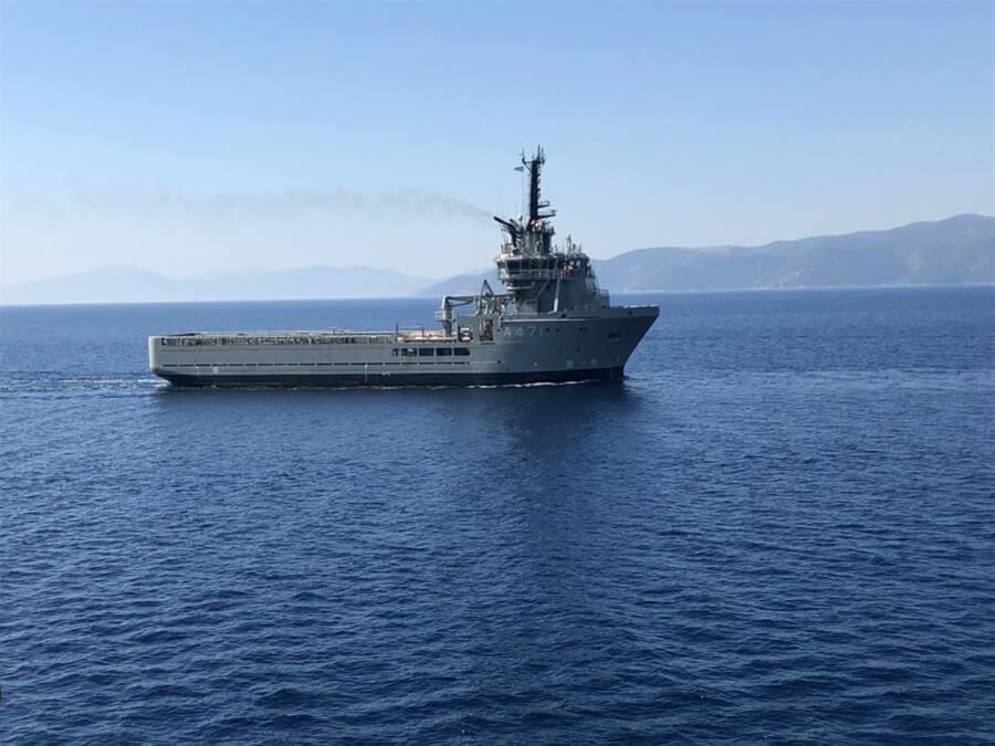 Πειραιάς: Σύγκρουση πλοίου του Πολεμικού Ναυτικού με εμπορικό - Πληροφορίες για σοβαρά τραυματίες