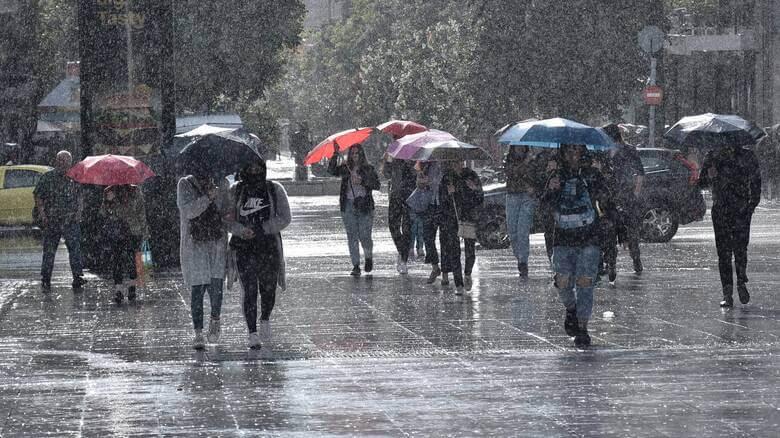 Καιρός : Κακοκαιρία με βροχές, καταιγίδες και χιονοπτώσεις