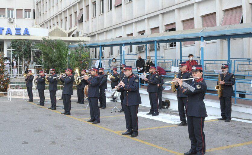Δήμος Πειραιά : Χριστουγεννιάτικες δράσεις στα Νοσοκομεία «ΜΕΤΑΞΑ» και «ΤΖΑΝΕΙΟ»