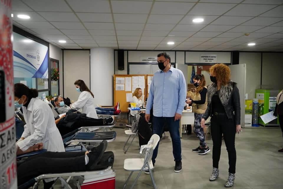 Προσφορά ζωής από δεκάδες Γλυφαδιώτες – Μεγάλη η συμμετοχή στην εθελοντική αιμοδοσία του Δήμου Γλυφάδας