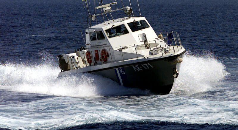 Ακυβερνησία σκάφους στη Σαλαμίνα με τρεις επιβαίνοντες