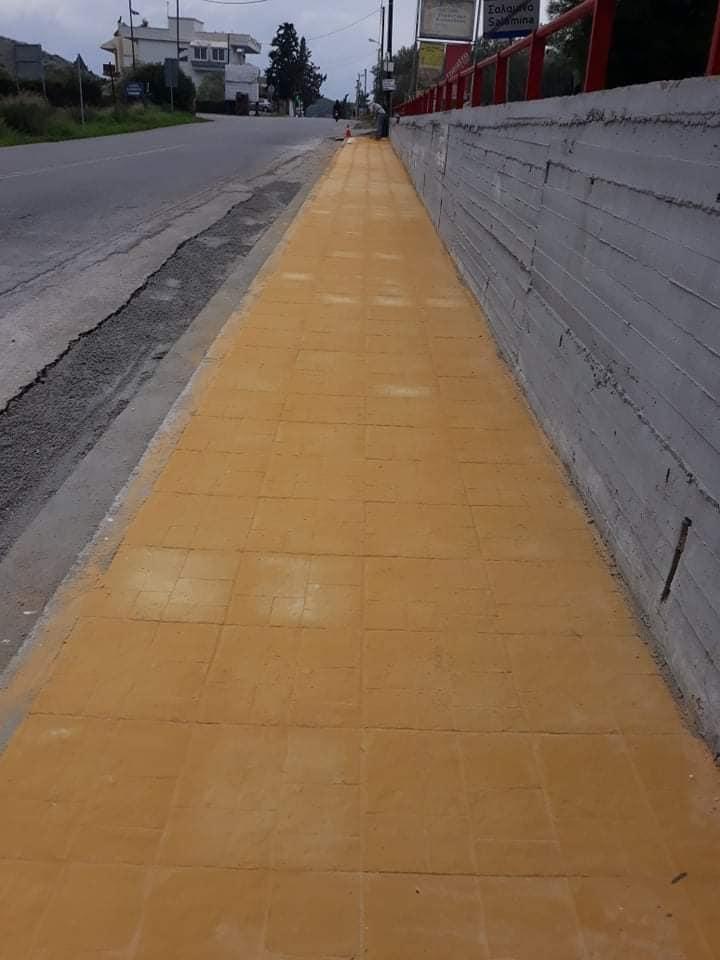 Σαλαμίνα : Νέα πεζοδρόμια μπροστά από  το 1ο και 2ο Λύκειο του νησιού
