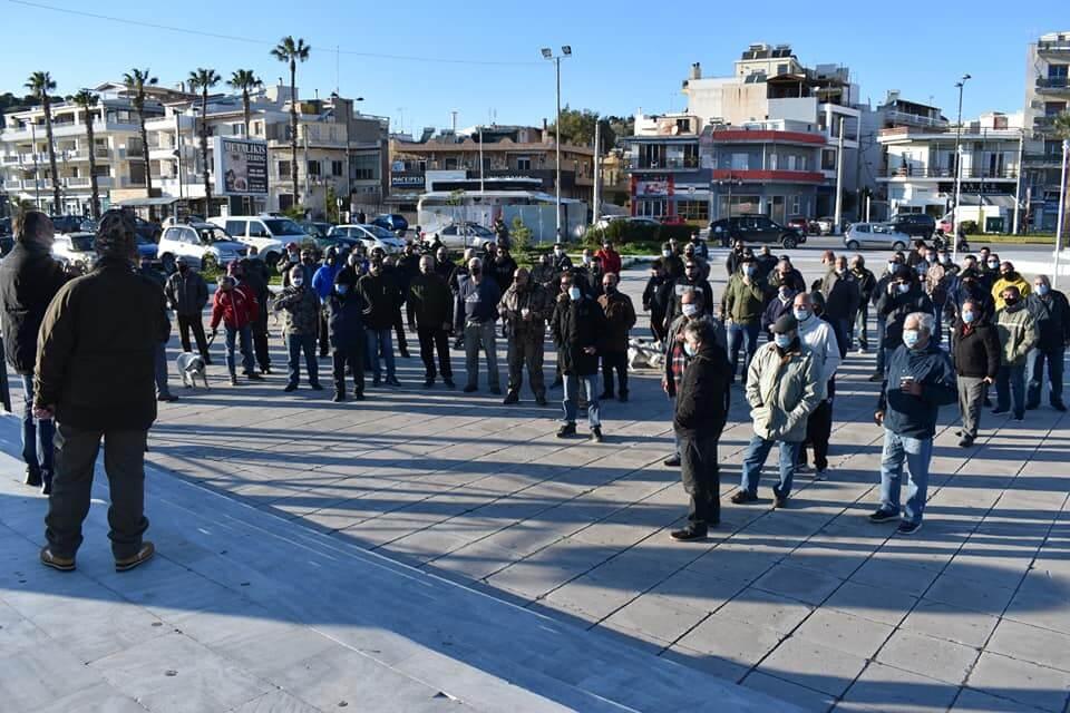 Σαλαμίνα : Πορεία κατά των μέτρων από Αλιείς και Κυνηγούς - Στο πλευρό τους ο Δήμαρχος