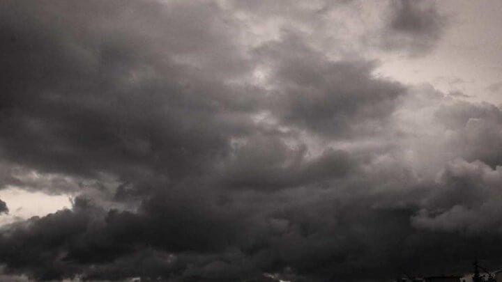 Καιρός : Νεφώσεις με τοπικές βροχές