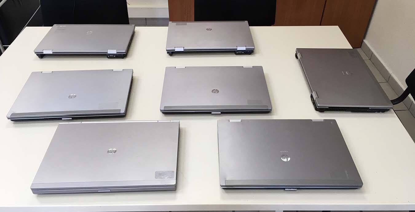 Δήμος Πειραιά : 50 ηλεκτρονικούς υπολογιστές διέθεσε σε παιδιά αδύναμων οικονομικά οικογενειών