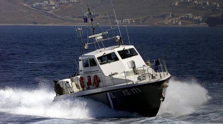 Μηχανική βλάβη Ι/Φ-Ε/Γ-Τ/Ρ πλοίου στην Αίγινα