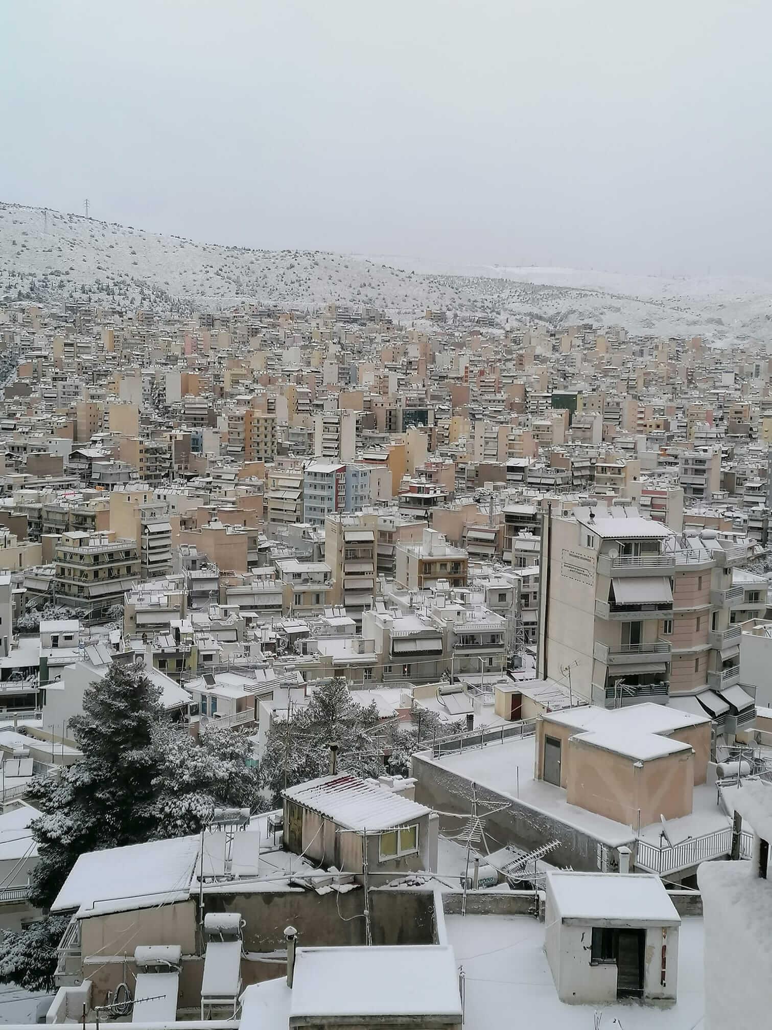Βίντεο από την χιονισμένη Αμφιάλη