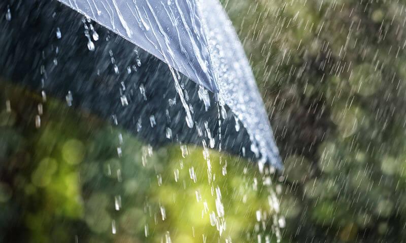 Καιρός: Βροχές, καταιγίδες και μικρή πτώση της θερμοκρασίας