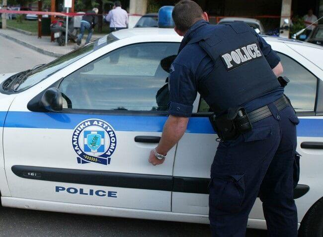 Αστυνομικός από λάθος άρχισε να πυροβολεί μέσα στο Αστυνομικό τμήμα