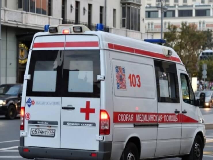 Ρωσία: Βρέφος καταπλακώθηκε στο καρότσι του από άνδρα που έπεσε από το 17ο όροφο (βίντεο)