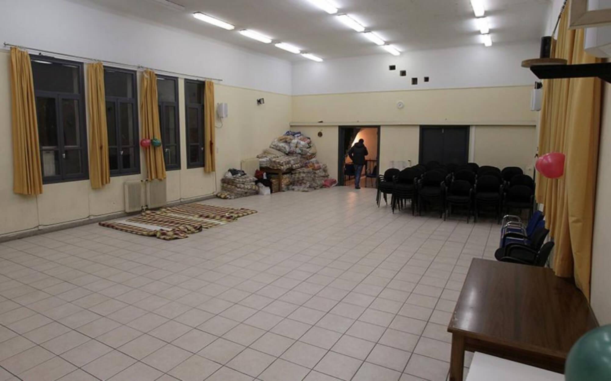Έκτακτα μέτρα από τον Δήμο Αθηναίων για το κρύο με θερμαινόμενες αίθουσες και RapidTest