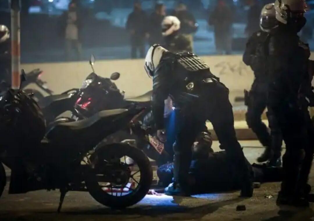 Νέα Σμύρνη:Επεισόδια με μολότοφ-Σοβαρά τραυματίας ένας αστυνομικός
