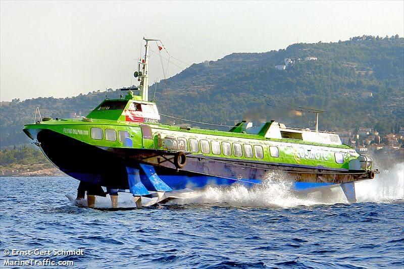 Μηχανική βλάβη Ε/Γ-Υ/Γ πλοίου στον Πειραιά