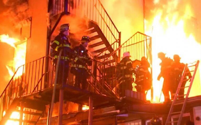 Νέα Υόρκη: Μεγάλη φωτιά σε οίκο ευγηρίας-Τουλάχιστον ένας νεκρός