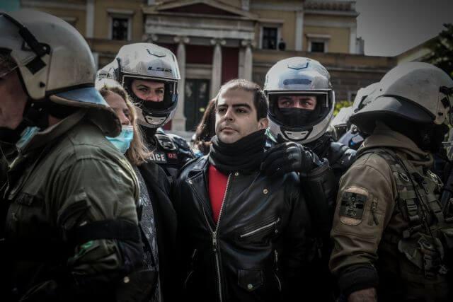 Επεισόδια στο κέντρο της Αθήνας - Συνέλαβαν τον Έκτορα Κουφοντίνα