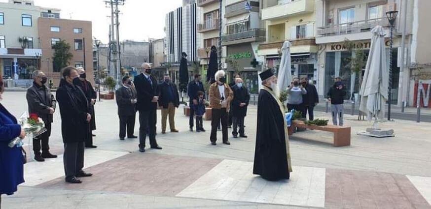 Δήμος Κερατσινίου: Κατάθεση στεφάνου στην πλ. Κύπρου - Το μήνυμα του Δημάρχου κ. Χρήστου Βρεττάκου