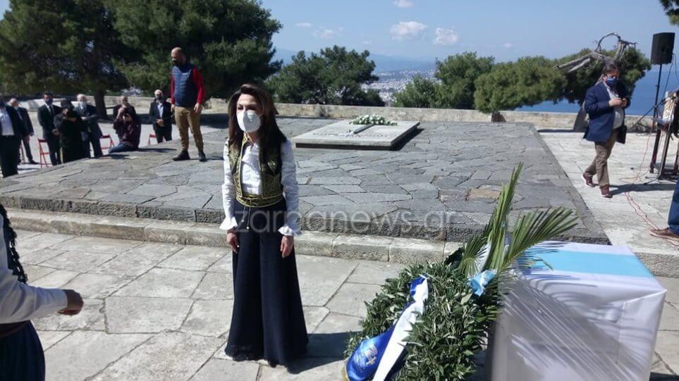 H Γιάννα Αγγελοπούλου ντύθηκε Κρητικοπούλα