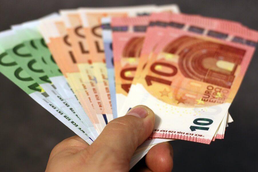 Ποιές είναι οι προγραμματισμένες πληρωμές από e-ΕΦΚΑ & ΟΑΕΔ έως 9 Απριλίου