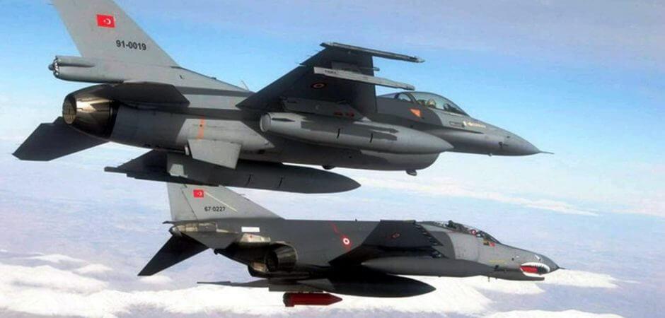 Υπερπτήσεις τουρκικών F-16 πάνω από Μακρονήσι & Ανθρωποφάγους κατά τη διάρκεια συναντησης Δένδια-Οζουγκέργκιν
