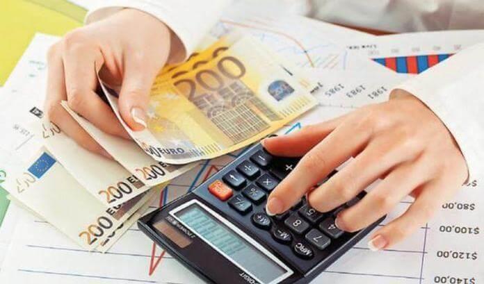 Ενίσχυση 400 ευρώ : Διευρύνεται ο αριθμός των δικαιούχων