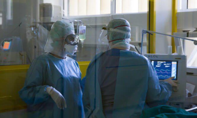 Επιστράτευση ιατρών: Από σήμερα στις επάλξεις του ΕΣΥ οι 206 ιδιώτες
