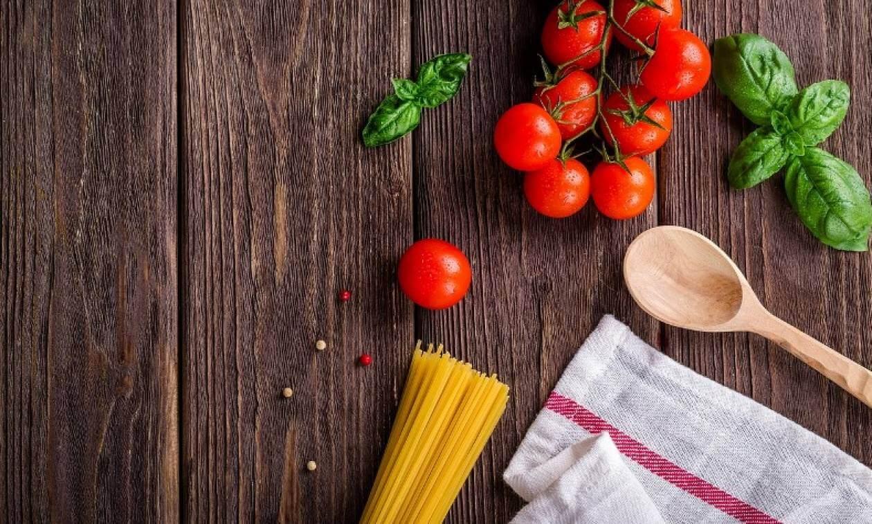 Μπαρμπαρίγου-Πετρετζίκης «στα μαχαίρια» για μια συνταγή!