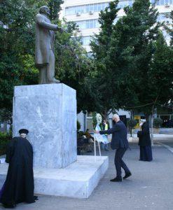 Ο Δήμαρχος Πειραιά Γιάννης Μώραλης στην επιμνημόσυνη δέηση για τα 85 χρόνια από τον θάνατο του Ελευθερίου Βενιζέλου