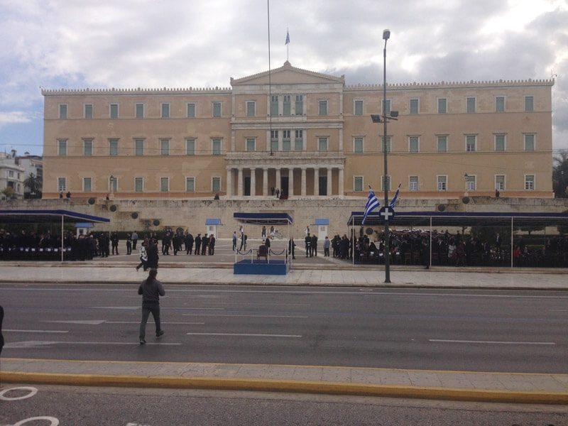 Οι κυκλοφοριακές ρυθμίσεις για την 25η Μαρτίου - «Θωρακίζεται» η Αθήνα με 4.000 αστυνομικούς, 6 drones και 2 ελικόπτερα