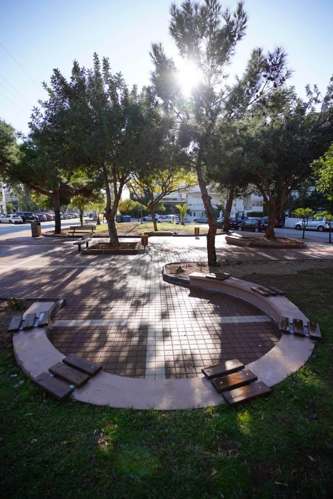 Μια νέα πλατεία «κόσμημα» ξεπρόβαλε στη Γλυφάδα