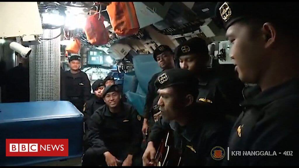 Ινδονησία: «Αντίο» τραγουδά το πλήρωμα του υποβρυχίου που βούλιαξε