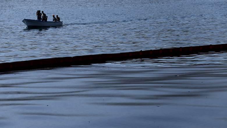 Θαλάσσια ρύπανση στην περιοχή της Ελευσίνας