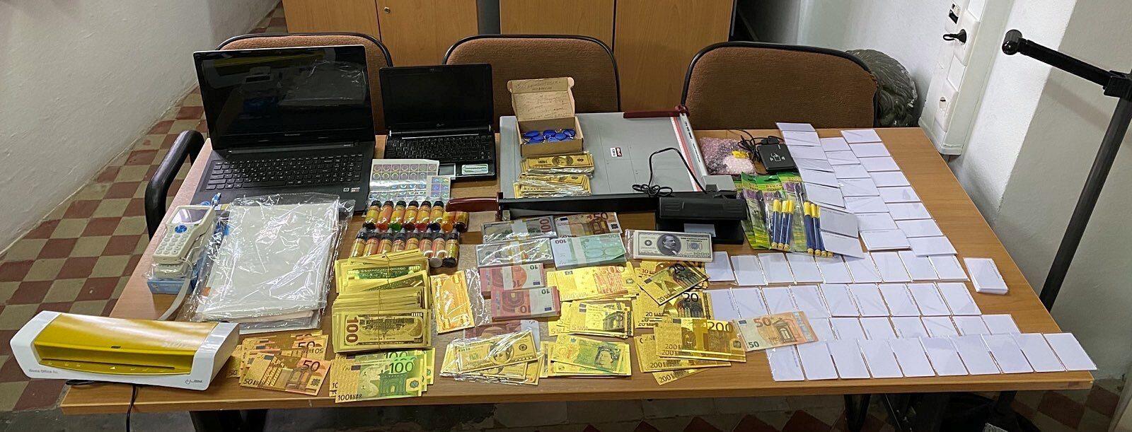Ρόδος: Σύλληψη ημεδαπού που προσπάθησε να διαθέσει μεγάλο αριθμό πλαστών χαρτονομισμάτων