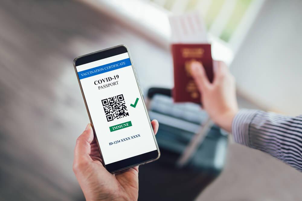 ΕΕ: Οι 27 χώρες-μέλη συμφώνησαν στην έκδοση ταξιδιωτικού πιστοποιητικού covid