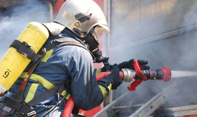 Συμβαίνει τώρα:Φωτιά στο κέντρο του Πειραιά