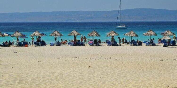 Ανοίγουν οι οργανωμένες παραλίες