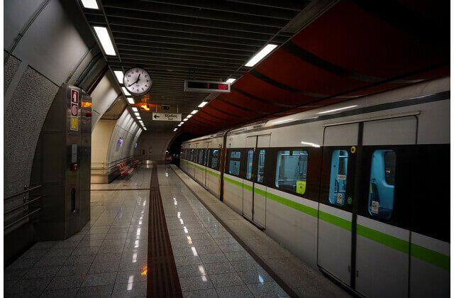 Πανόρμου:Νεκρή η γυναίκα που έπεσε στις γραμμές του μετρό