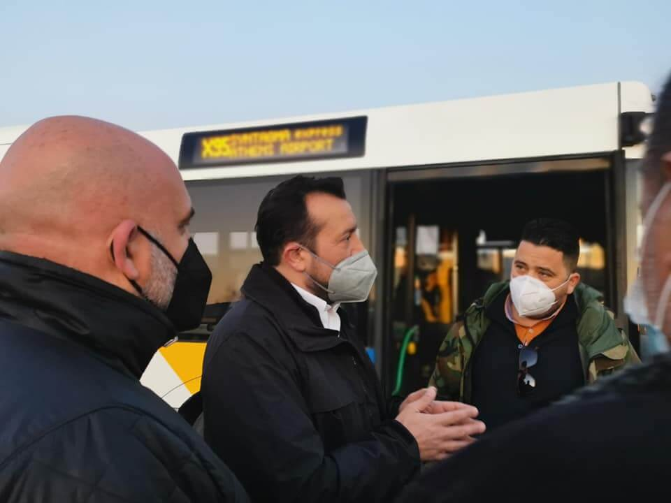 Ν. Παππάς: «Ακινητοποιημένα τα λεωφορεία που παρέλαβαν οι Μητσοτάκης - Καραμανλής»