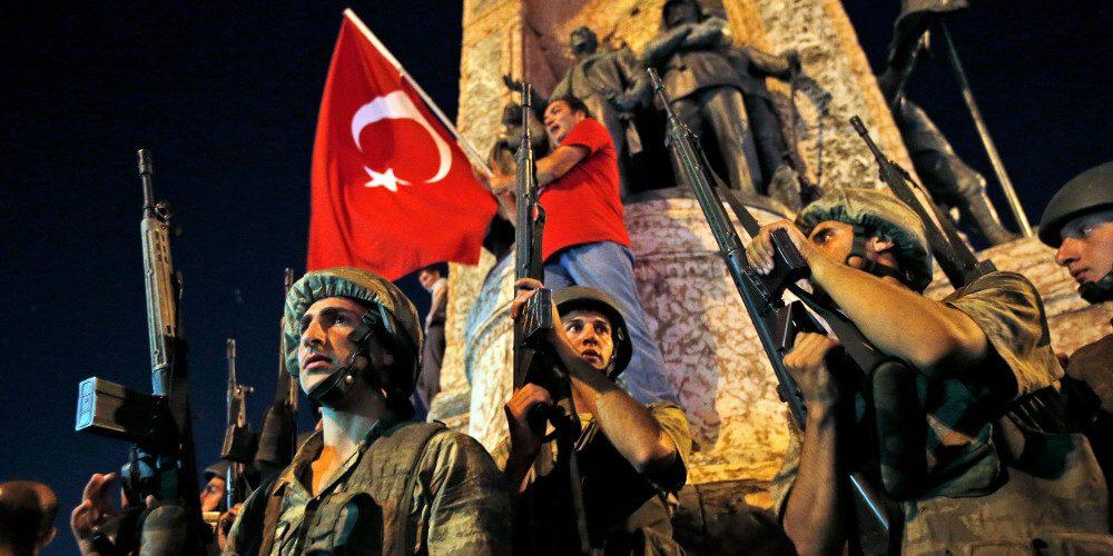 Τουρκία: Ισόβια σε 4 απόστρατους για την απόπειρα πραξικοπήματος το 2016