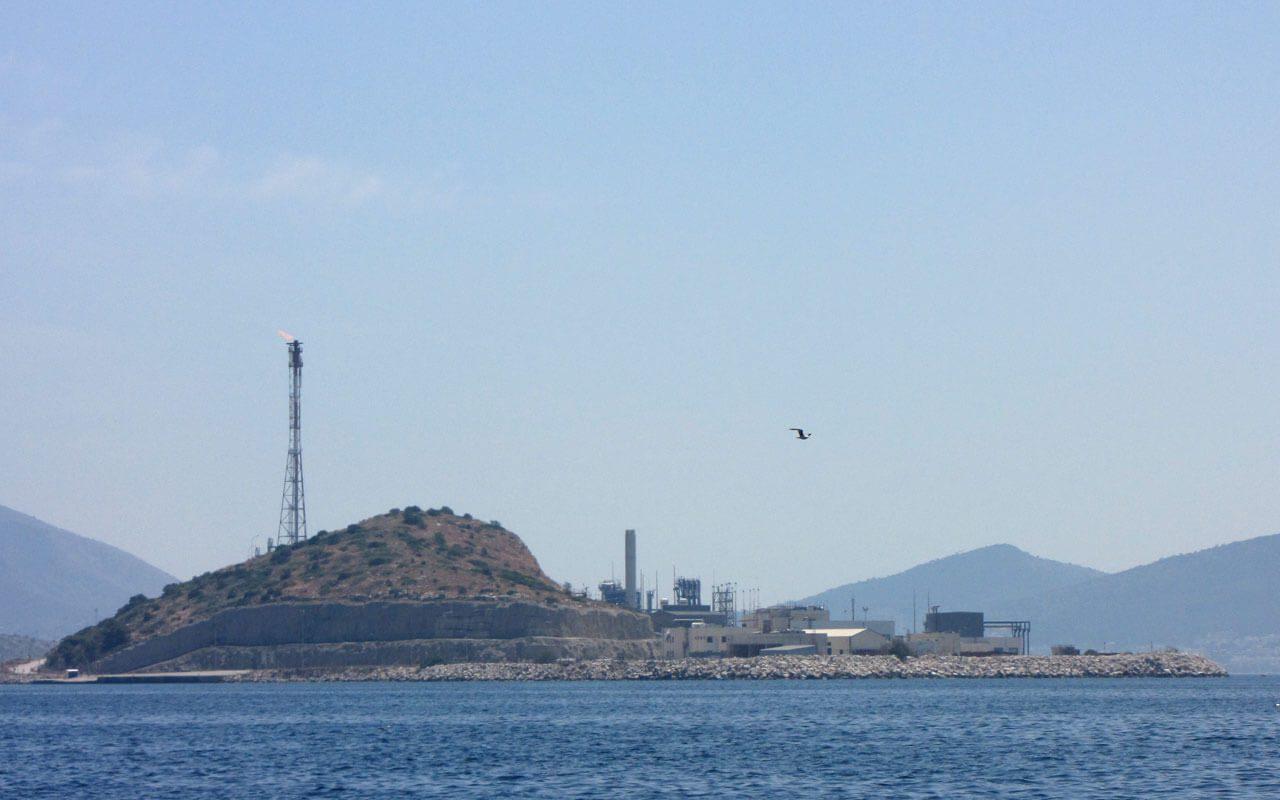 Πέραμα και Αλμύρα Μεγάρων θα εξυπηρετούν τη θαλάσσια μεταφορά βυτιοφόρων φορτηγών LNG για Ρεβυθούσα